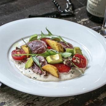 Стейк салат з ростбіфом